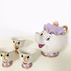 things-that-sell-best-on-ebay-mrs-potts-tea-set